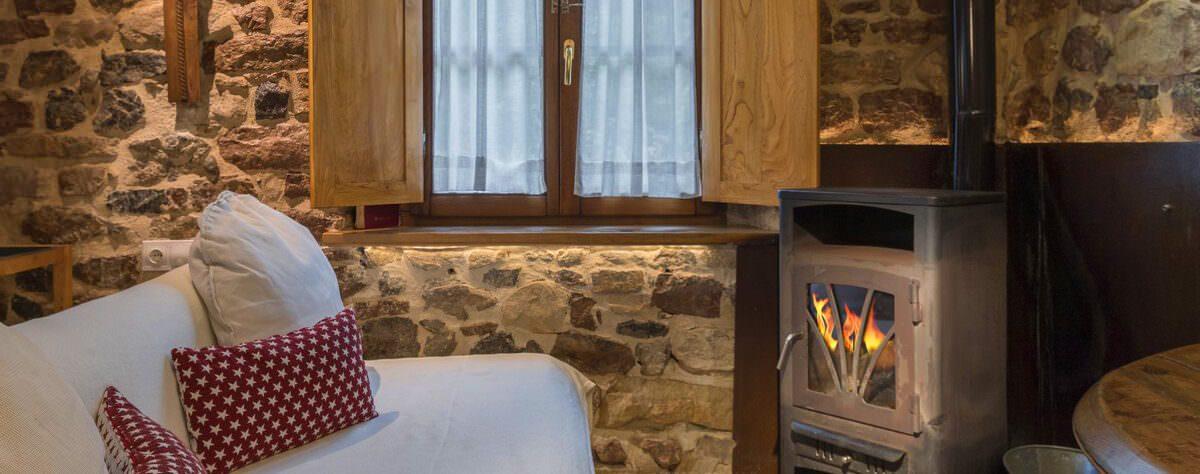 Axtur, casas rurales con chimenea en Asturias